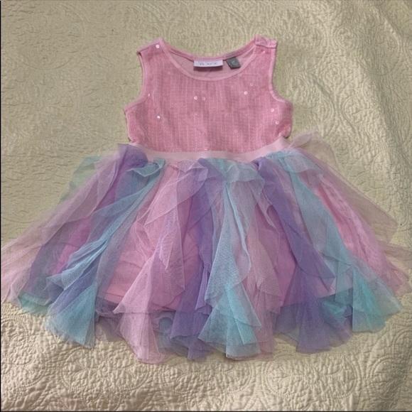 The children place dress